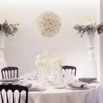 Diseño y creación de centro de mesa Presidencial en Blanco y Negro | La Florería