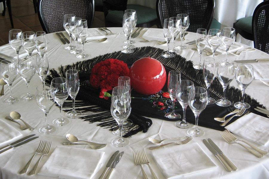 Centro de mesa inspiración Spain para evento en en Castell de St. Marçal |La Florería