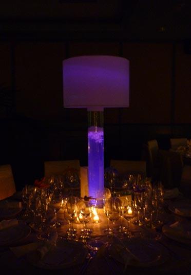 Centro de mesa luz morada