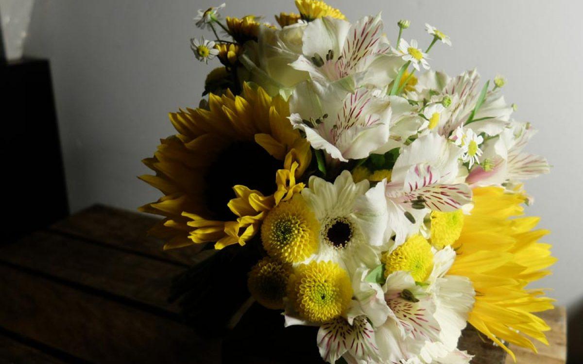 Ramo de novia bouquet amarillo para ceremonia en Barcelona 00 | La Florería