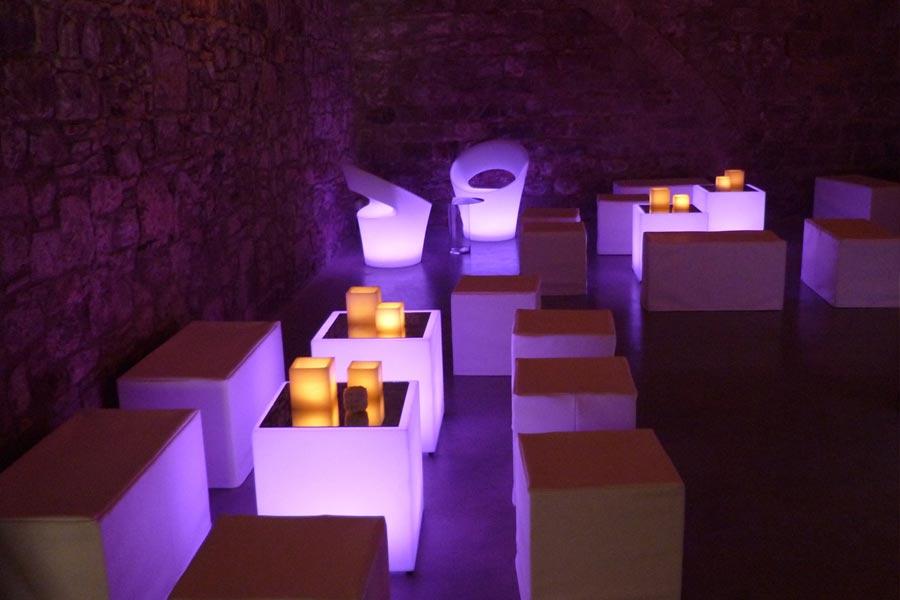 Decoración Chill out lumínico <br>para empresa en un <br>palacio Barroco en Barcelona