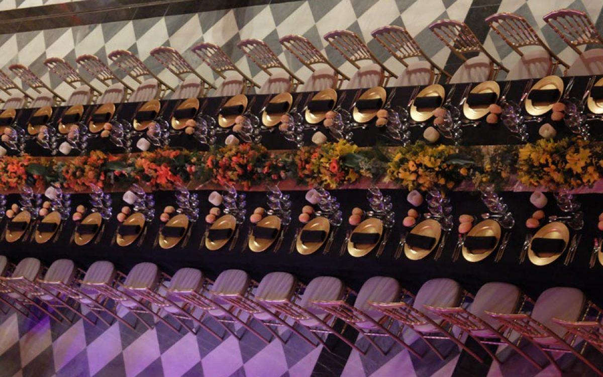 Decoración y puesta en escena de cena de empresa en la Llotja 15 | La Florería