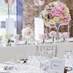 Diseño y creación de centro de mesa clásico en plata para cena en Barcelona 00 | La Florería