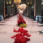 Centro de mesa Codorniu con copa en vela blanca 00 | La Florería