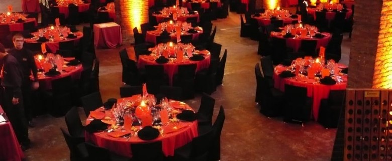 Centro de mesa con velón rojo