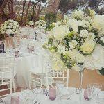 Centro de mesa con flores blancas | La Floreria
