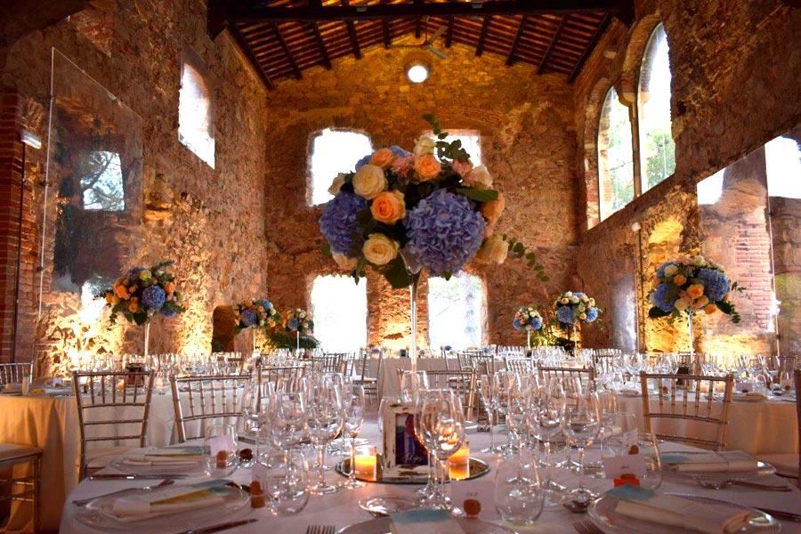 Centro de mesas con hortensias en el Convent de Blanes |La Florería
