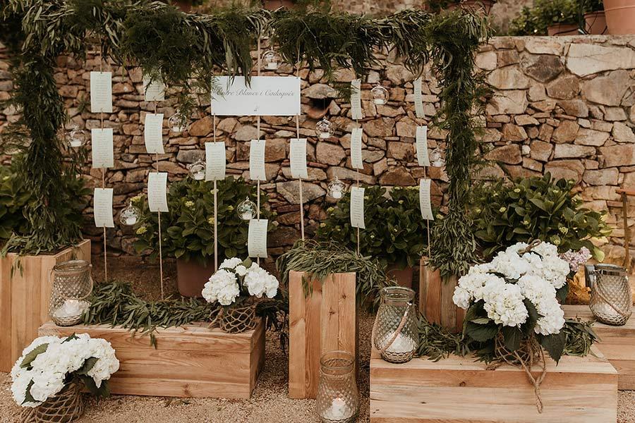 Decoración floral en boda en el Convent de Blanes por La Florería 06 | La Florería