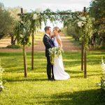 Altar de flores de boda Campestre en el Castell d´Empordà | La Floreria